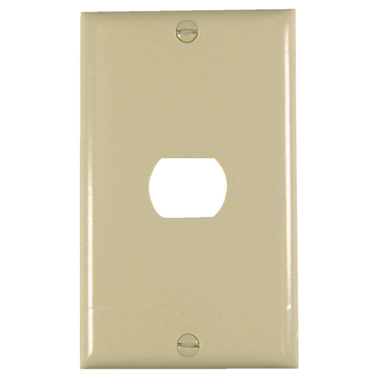 Pass and Seymour 1-Port Ivory Thermoset Ribbed Wall Plate Image 1